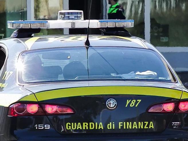 Cuneo, sesso con allieve minorenni: indagato prof di una scuola media