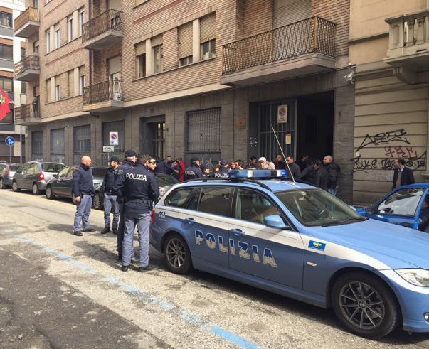 Torino, la polizia nel Consolato del Marocco per un arresto. La rivolta dei  diplomatici: «Non potete farlo»