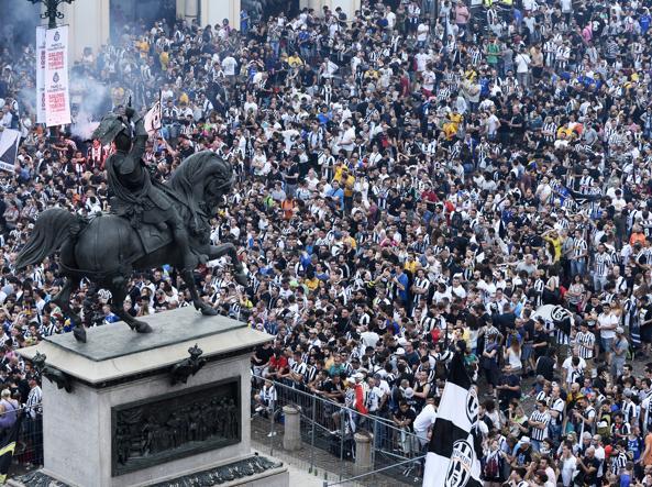 Convalidato il fermo per gli autori della rapina a piazza San Carlo