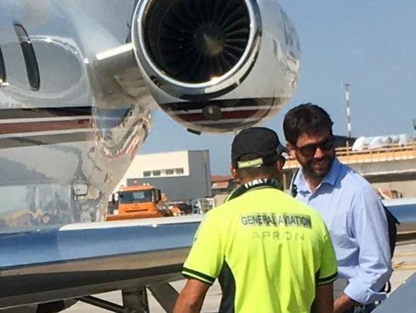 Agnelli pizzicato in aeroporto destinazione Grecia: incontro imminente con Ronaldo?