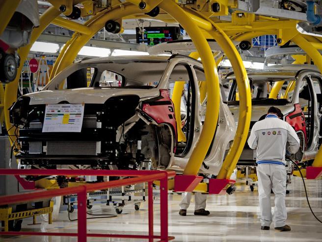 Pomigliano. Fca annuncia investimento per nuovo Suv Alfa Romeo