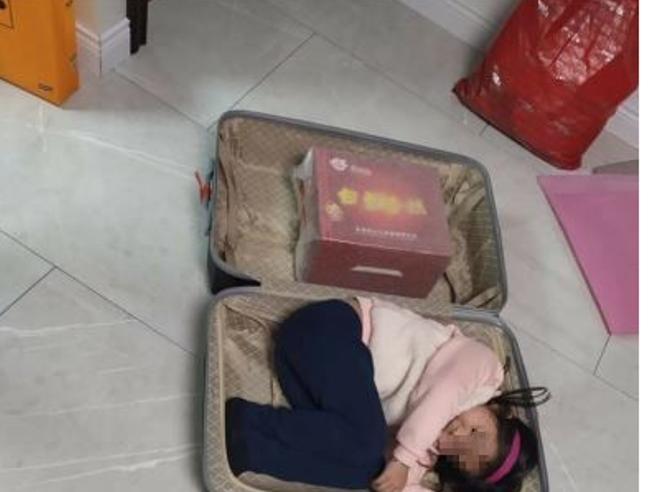 Coronavirus, donna fugge dall'ospedale in Russia dov'erano in quarantena: