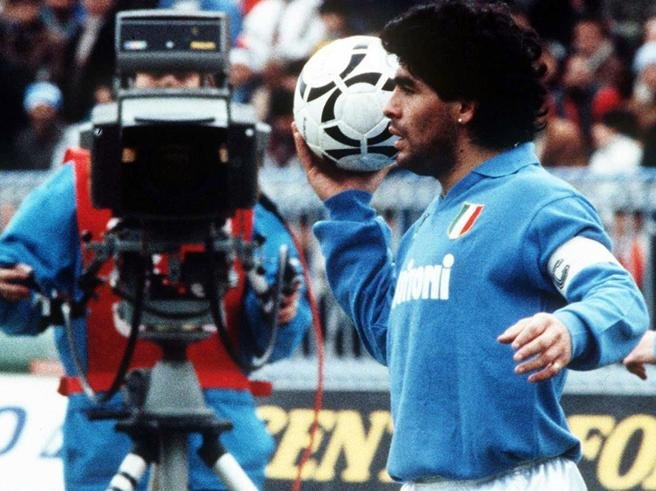 Napoli, i sacerdoti dicono no allo Stadio Maradona: