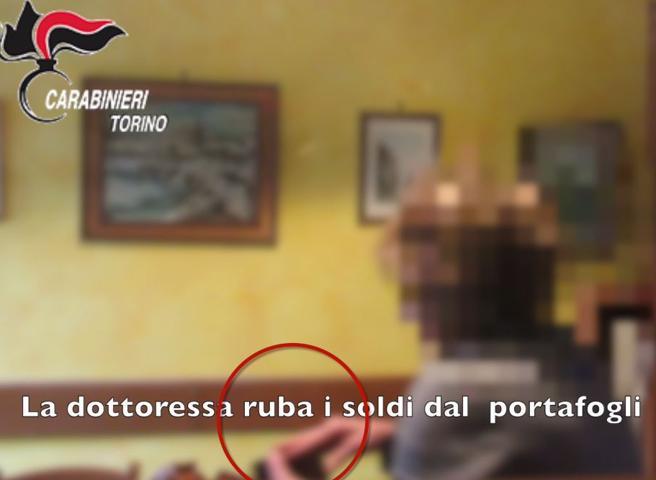 Torino, medico di base ruba in casa del paziente: arrestata