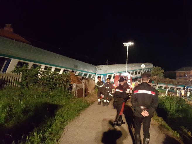 Incidente a Caluso, nel Torinese: scontro tra Tir e treno: d