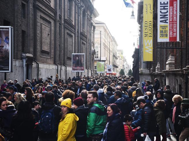 Torino, boom di visitatori nei musei: in 120 mila per il ponte dei Santi