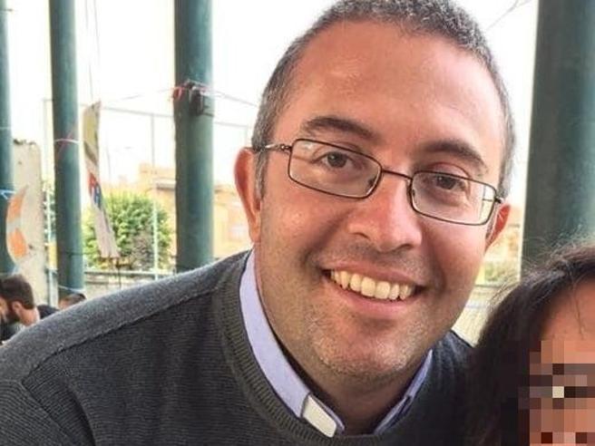 Novara, prete s'innamora: «Per una donna lascio la Chiesa». L'annuncio del vescovo ai fedeli durante la messa