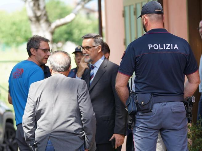 Ladro ucciso a Ivrea, l'autopsia: il tabaccaio sparò alle spalle dal balcone