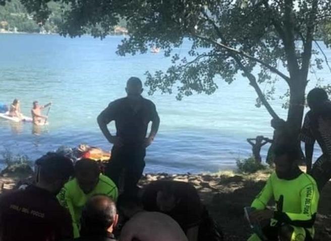 Torino, 15enne affoga nel lago. Festeggiava l'esame di Terza Media