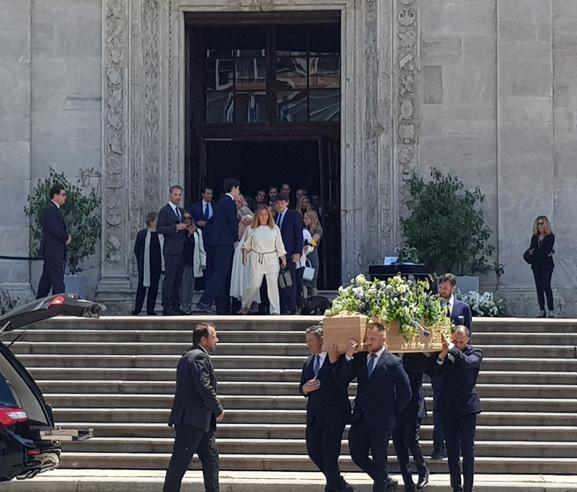 I funerali di Clemente Ferrero In chiesa John e Lapo Elkann Foto