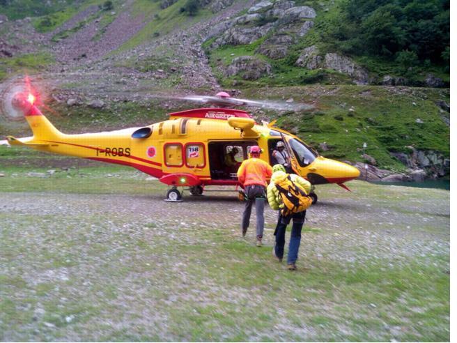 Alpinista precipita da 2.500 metri di quota e muore