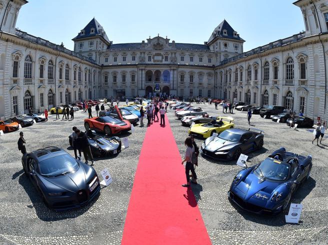 Torino perde il Salone dell'Auto (che va a Milano). Appendino vuole dimettersi
