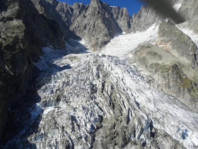 Courmayeur, il ghiacciaio accelera: scende a una velocità di 60 centimetri al giorno