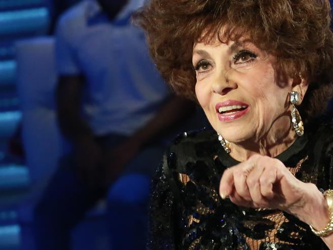 Gina Lollobrigida inaugura Lovers. Finissage con Achille Lauro