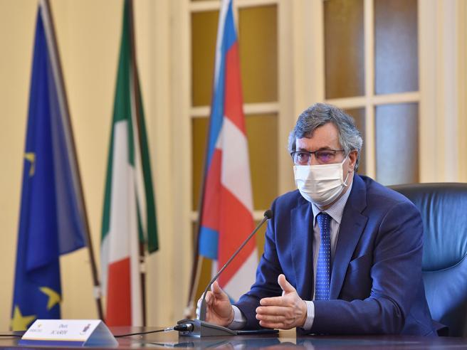 Piemonte, assessore alla Sanità in viaggio di nozze in piena emergenza. «Ho lavorato in smart working»