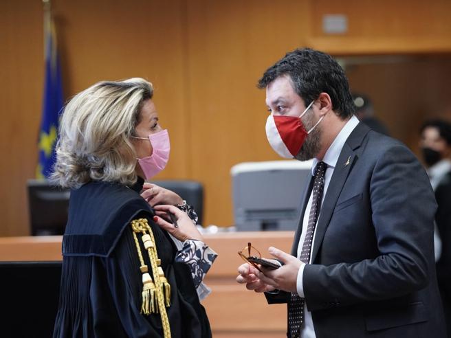 Vilipendio, Salvini: «Parlai dei giudici in un'assemblea privata non al comizio»