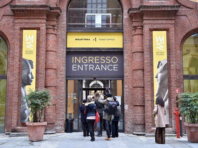 Riecco il Museo Egizio: primi visitatori nelle sale rimaste vuote 3 mesi