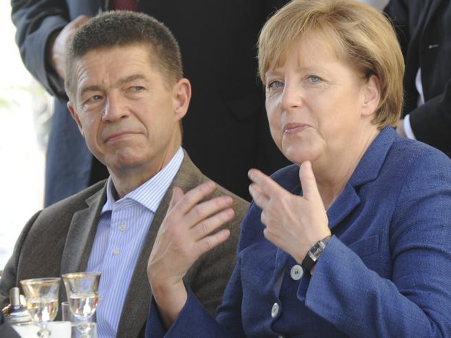 Angela Merkel, l'Accademia delle Scienze nomina il marito Sauer: insegnerà a Torino