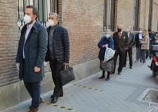 Madrid al voto: code con distanziamento ai seggi