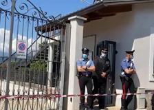 Architetto sorprende i ladri in casa e viene ucciso