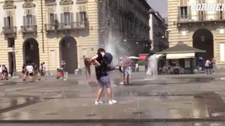 Ultimo giorno di scuola, si torna a festeggiare tra le fontane di piazza Castello