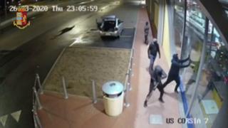 La banda dei ladri dell'autostrada in azione