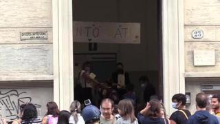 Scuola, suona di nuovo la campanella: primo giorno a Torino