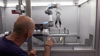 Torino, al Mauriziano il primo Robot in Farmacia:
