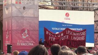Green Pass, a Torino in centinaia protestano tra dipendenti comunali e Gtt