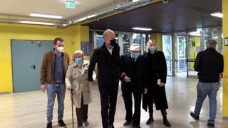 Amministrative, i candidati di Torino al seggio: Damilano con famiglia, Lo Russo solo