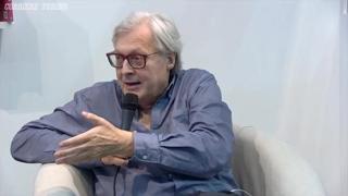 Vittorio Sgarbi al Salone del Libro