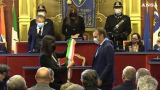 Torino, Lo Russo riceve la fascia tricolore: è ufficialmente sindaco